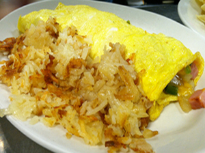 Omelette and hash browns